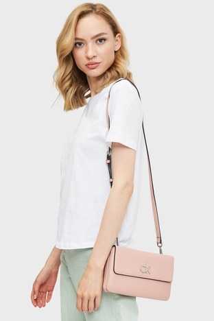 Calvin Klein - Calvin Klein Ayarlanabilir Askılı Bayan Çanta K60K608177 TCT PEMBE (1)