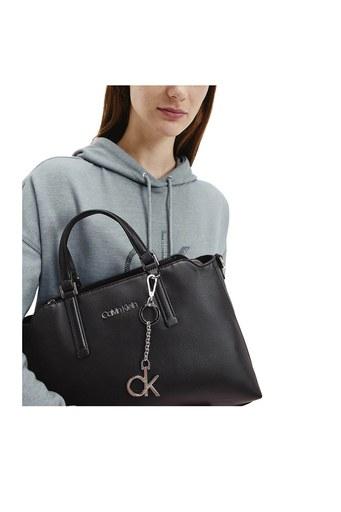 Calvin Klein Omuz Askılı Kadın Çanta K60K607887 BAX SİYAH