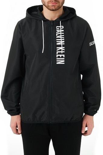 Calvin Klein Regular Fit Kapüşonlu Cepli Erkek Rüzgarlık KM0KM00597 BEH SİYAH