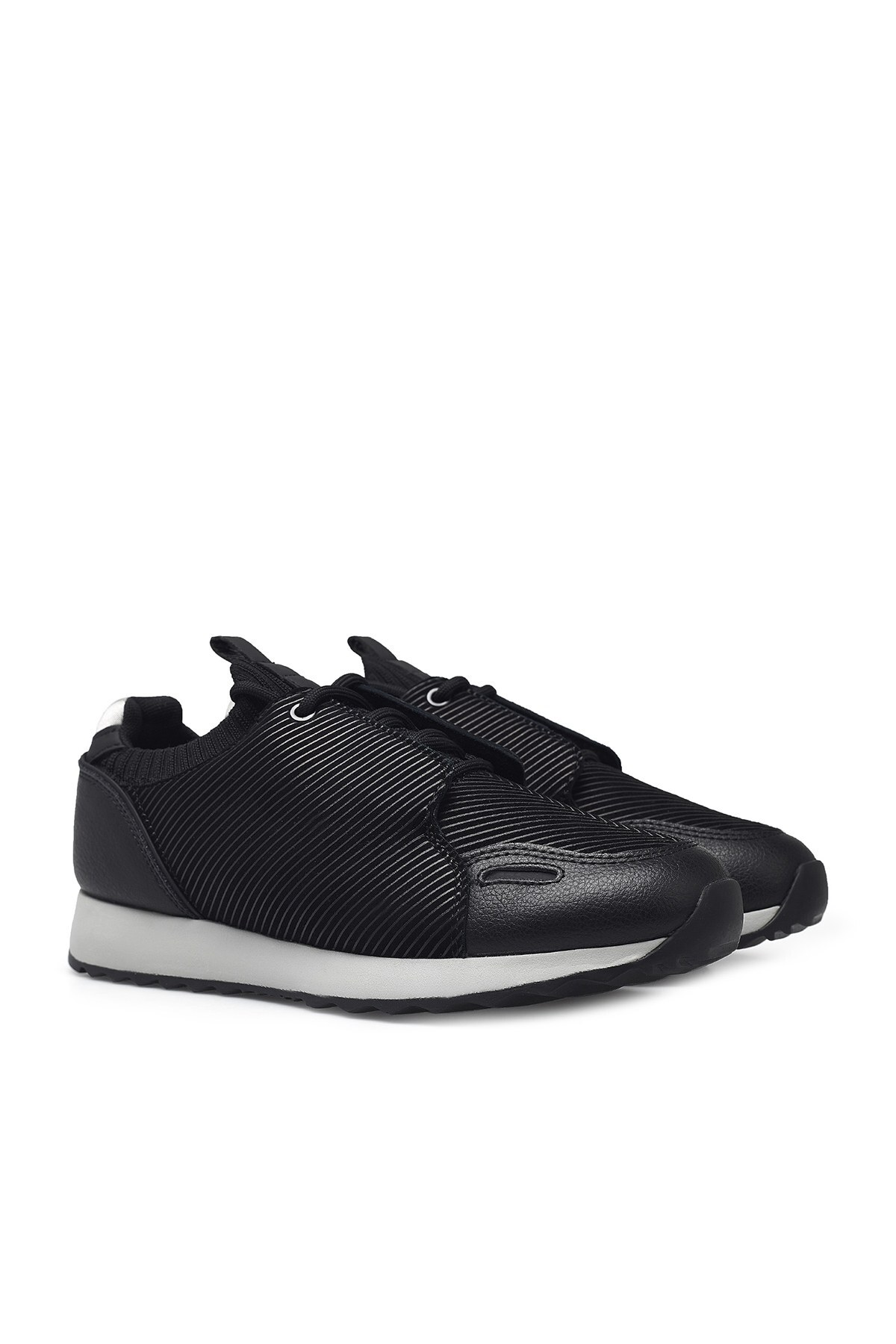 Emporio Armani Erkek Ayakkabı X4X241 XM245 C267 SİYAH