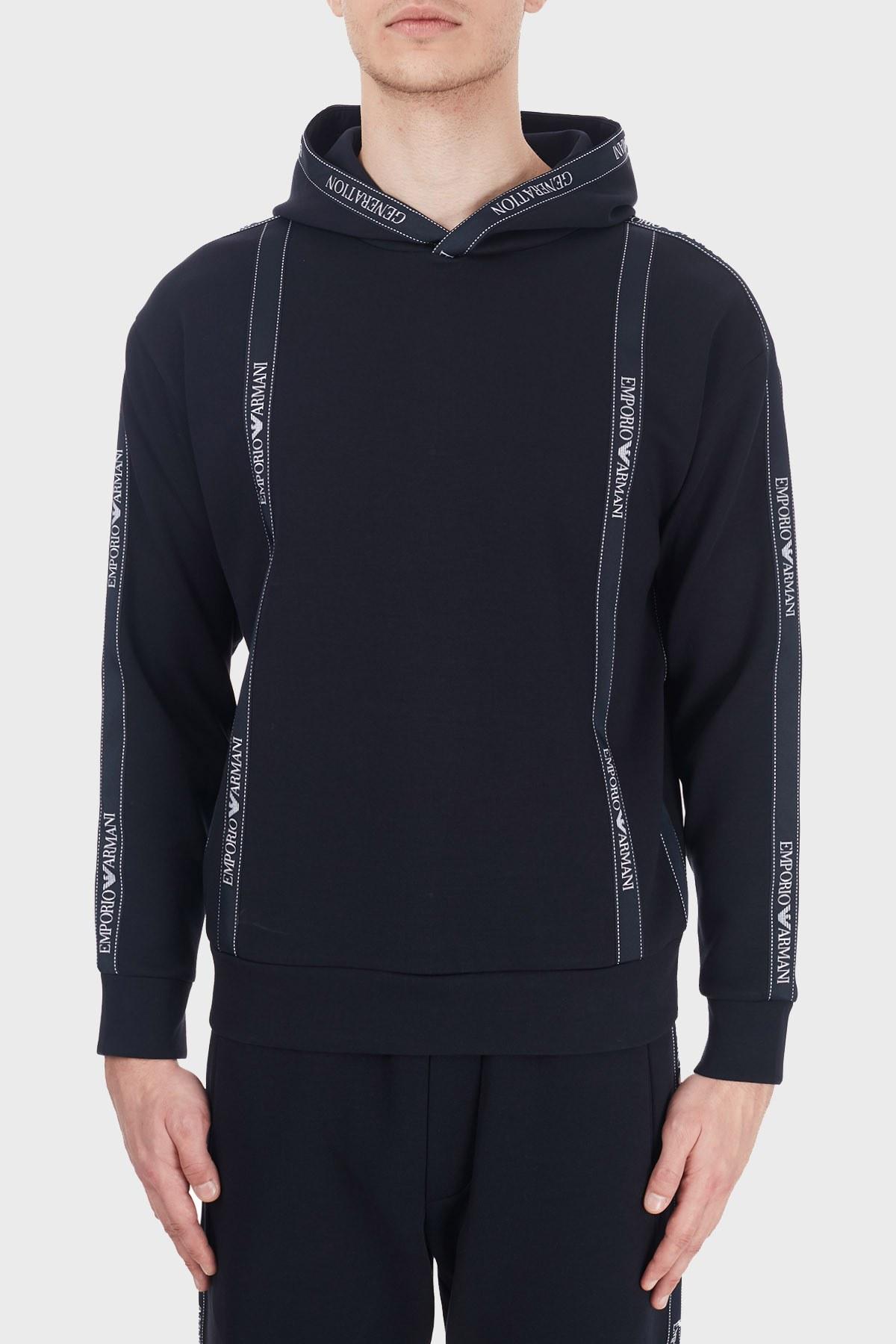 Emporio Armani Logo Bantlı Kapüşonlu Pamuklu Erkek Sweat 6H1M82 1JHSZ 0920 LACİVERT