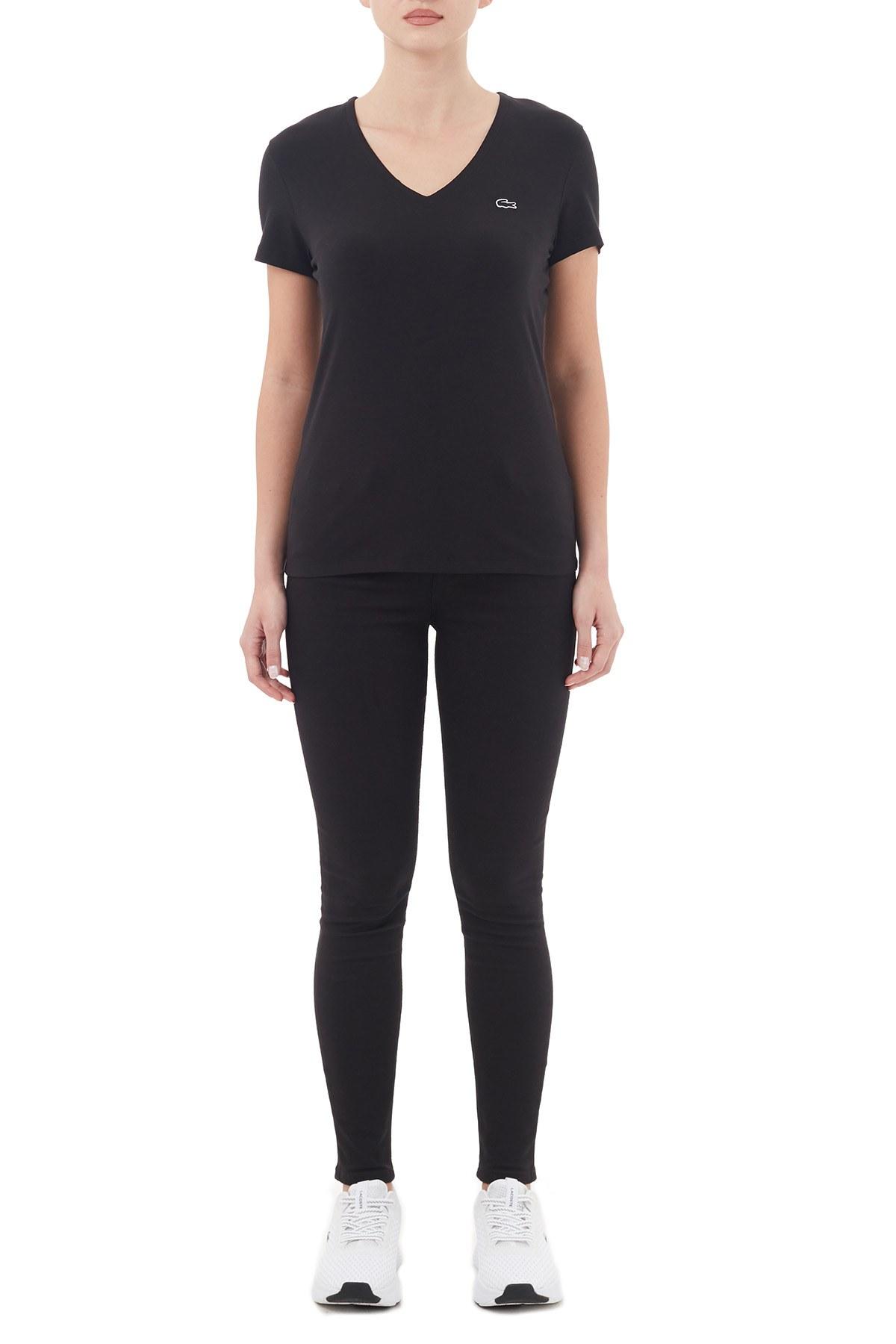 Lacoste V Yaka Pamuklu Kadın T Shirt TF0999 031 SİYAH